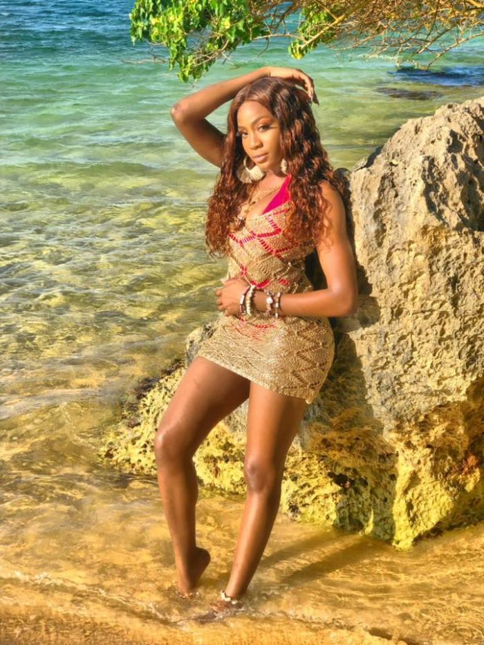 Jamaica, Reggae, Pop Music, Island Pop, Music, Dancehall, Blog, Music, 13thStreetPromotions, Shav-A, ShavAMusic, Island Girl, Island, Caribbean, Caribbean Girl, Singer, Entertainment,